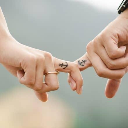 tatouage doigt